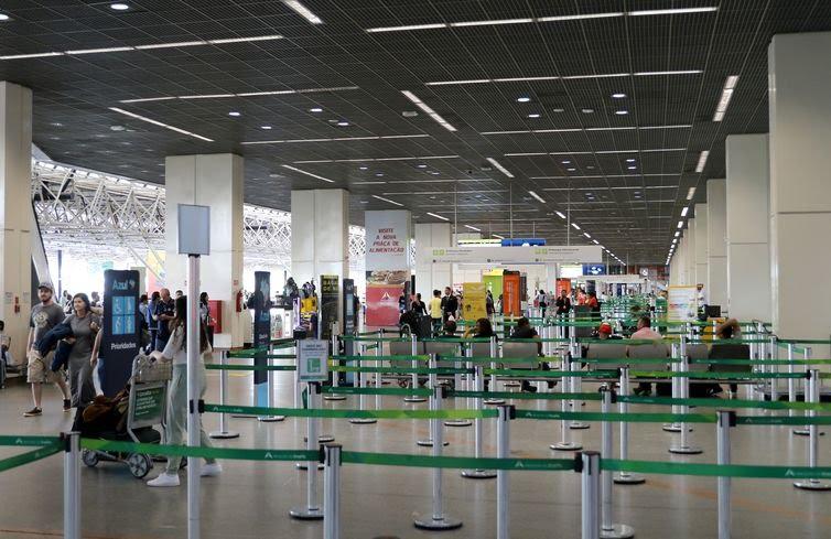 Movimentação no Aeroporto Internacional de Brasília.
