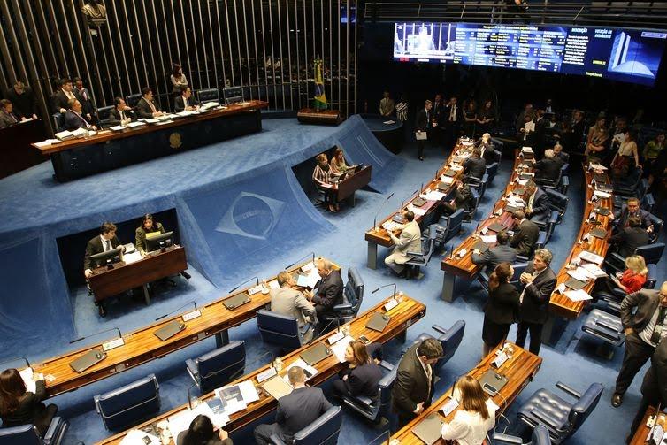 Plenário do Senado faz leitura de indicação de embaixadores.